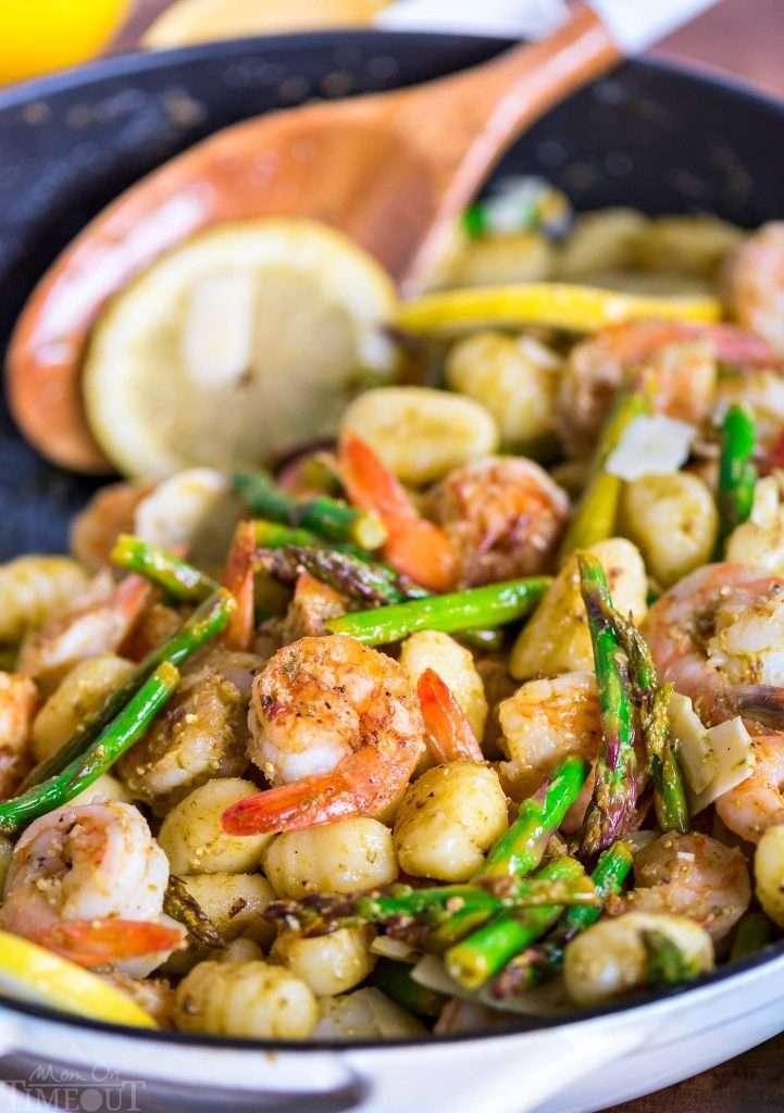 20 Minute Pesto Shrimp with Gnocchi And Asparagus
